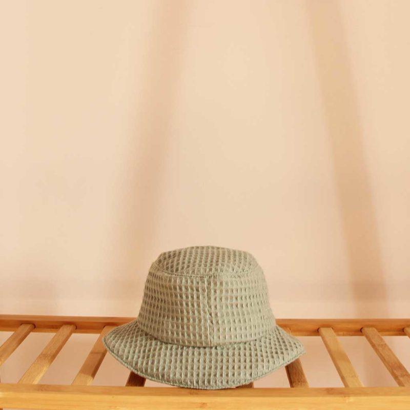 Chapeau enfant nid d'abeille vert sauge